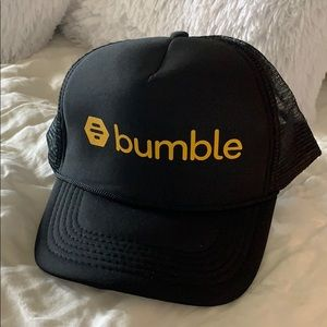 762ee4921 NWOT Bumble Trucker Hat NWT